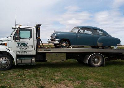 TRK Towing antique car
